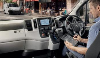Toyota Hiace Panel Van full