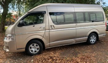 Used 2017 Toyota Hiace full