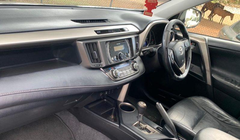 Used 2014 Toyota Rav4 – Silver full